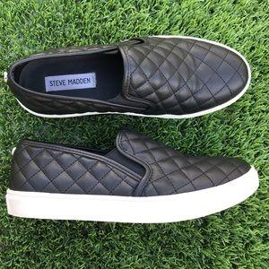 🎩 Steve Madden Ecentrcq Slip On Sneakers 🎩